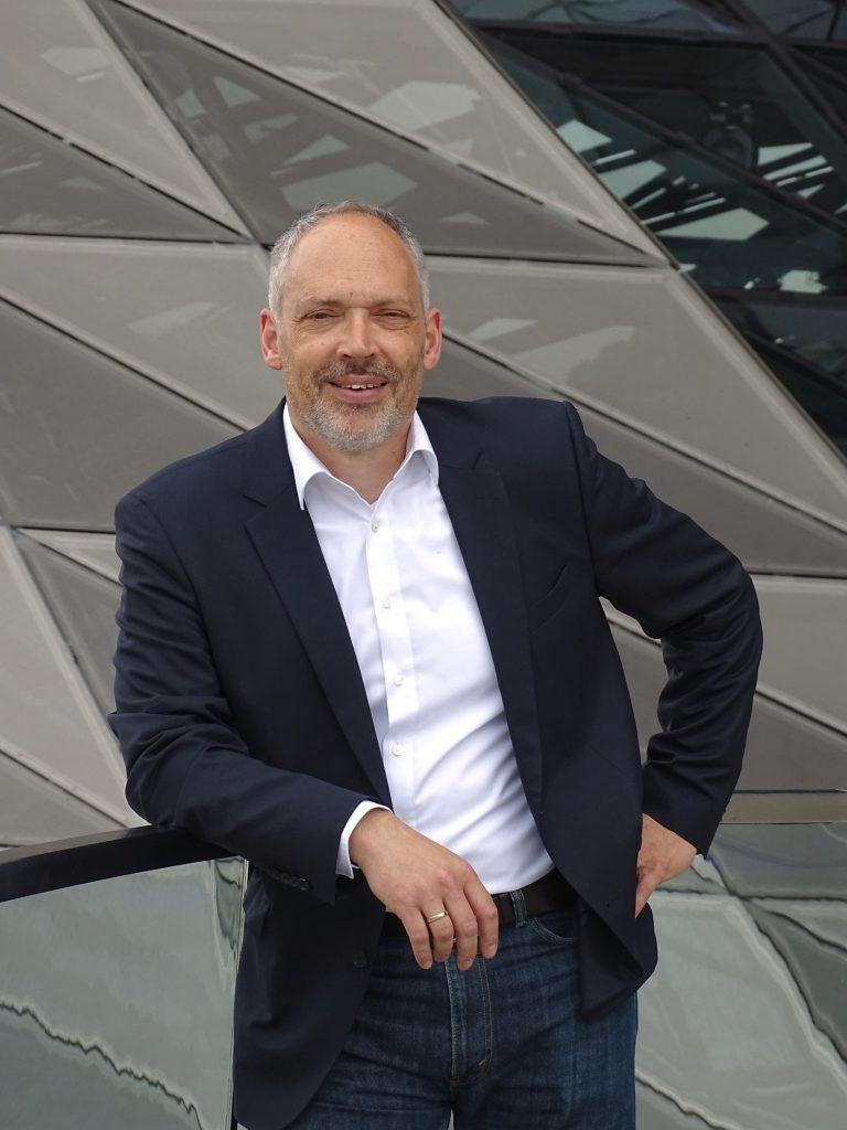 Dr. Julian Weber
